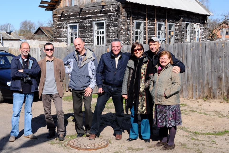 membri dell'associazione 26 aprile in visita a vetka in bielorussia una delle zone più colpite dal disastro di chernobyl