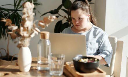 VIE DI LUCE: l'associazione che abbatte le barriere comunicative della disabilità